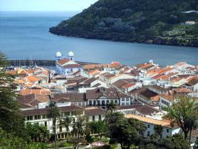 Město Angra do Heroísmo na ostrově Terceira