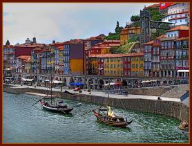 Promenáda Cais da Ribeira v Portu