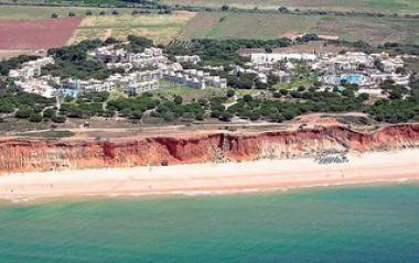 Pohled na hotel Adriana Beach Club u moře, Albufeira