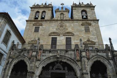 Katedrála Sé Velha ve městě Braga, Portugalsko